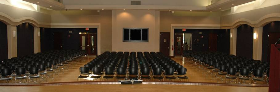 A beautiful multipurpose space ideal for performances, wedding ceremonies, banquets, receptions, dances, or conferences.