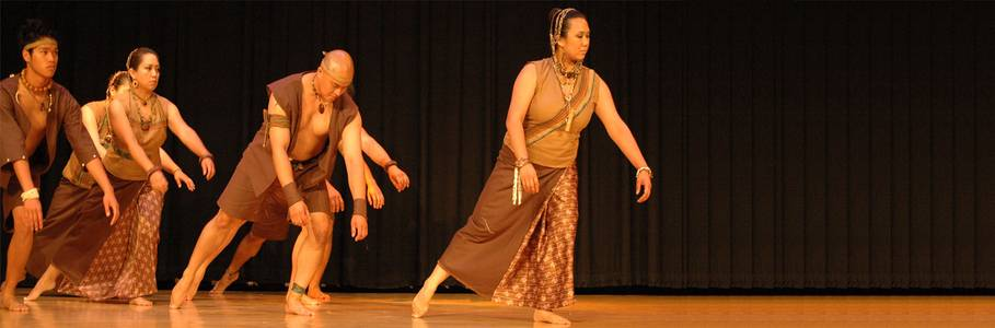 Jay Loyola and his dance group highlighted their new powerful work of Phillipine Folk Dance.